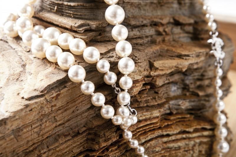 Sæt prikken over i'et med en halskæde fra Aagaard