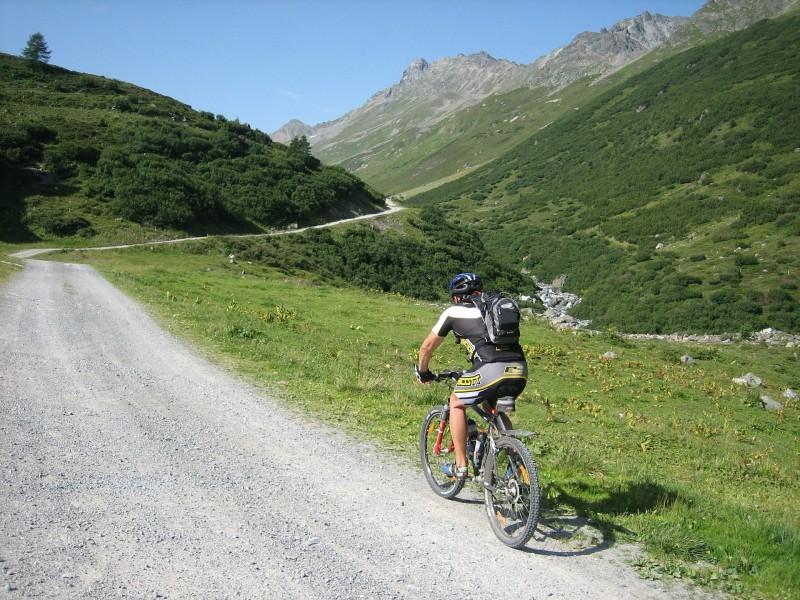 mountain-bike-604749_1920.jpg